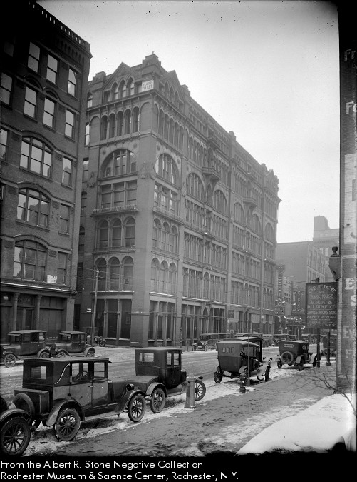 Warner's Safe Remedies Building in 1924