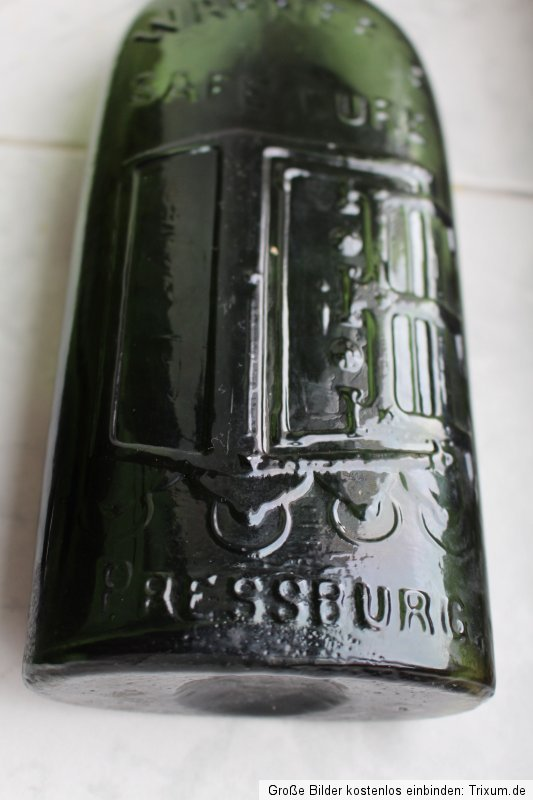 Green Pressburg with Label 9